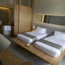 Deluxe suite twin bed