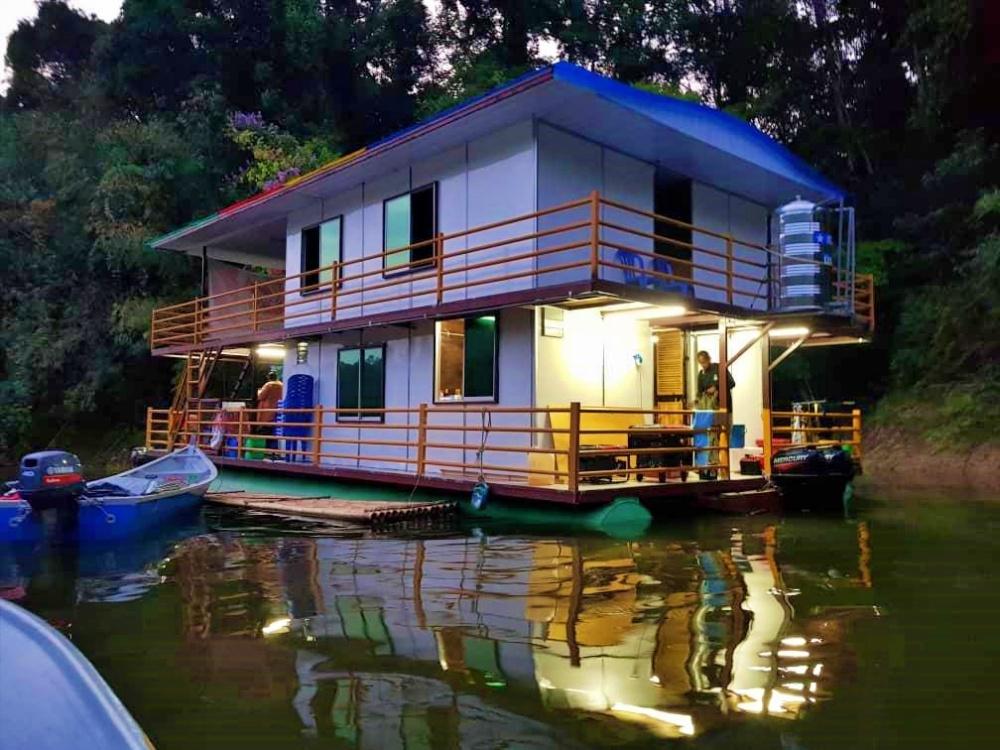 Meranti houseboat (2)